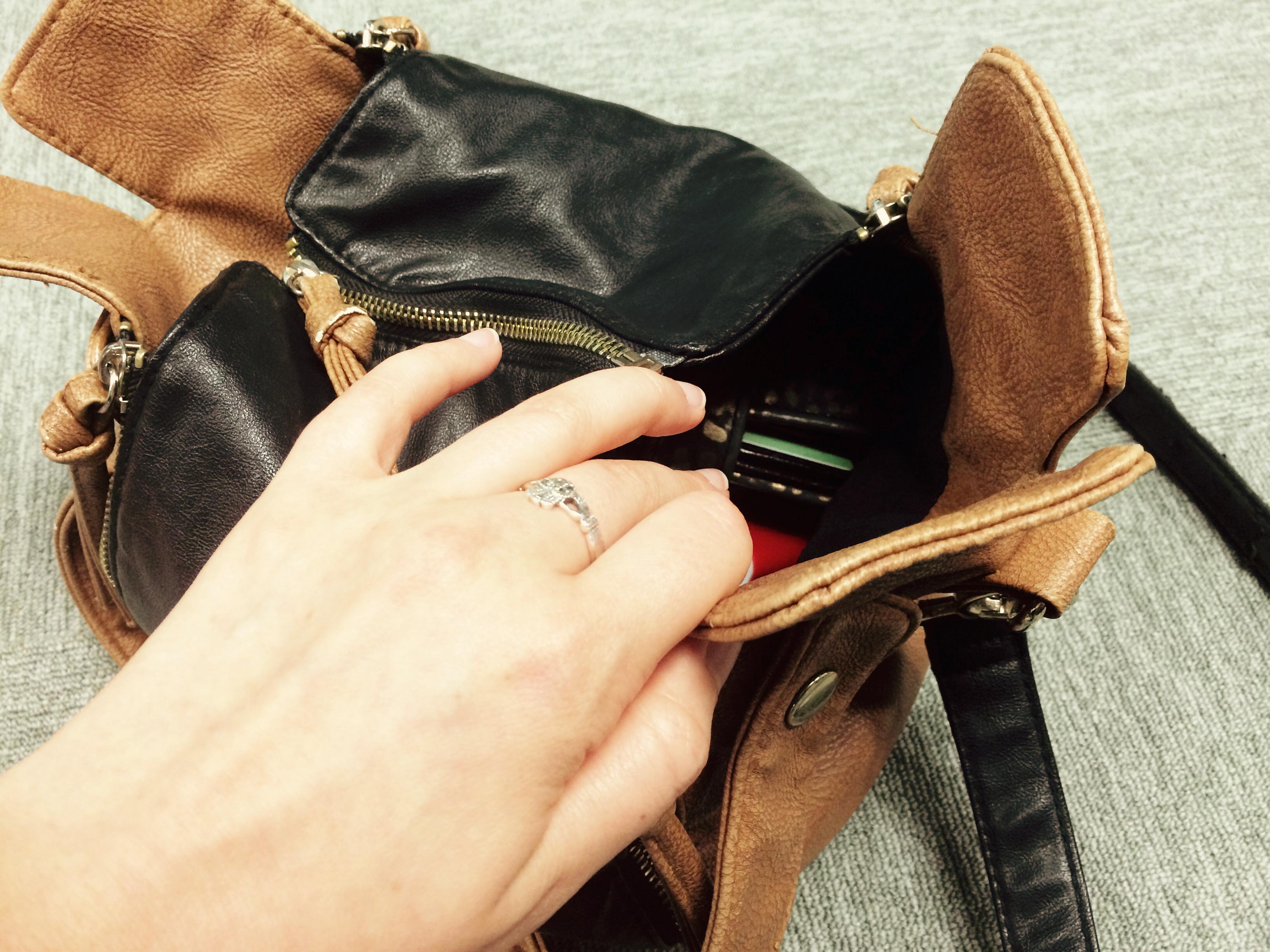 Tess' handbag