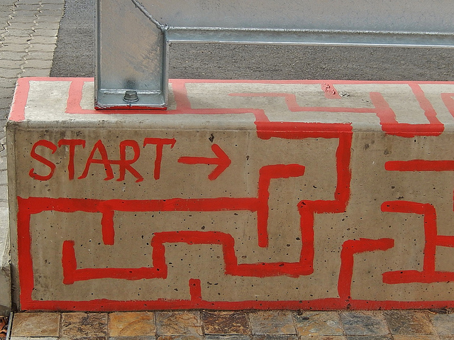 """Maze Starts Here"" by Michael Coghlan (CC BY-SA 2.0)"